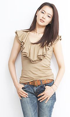 スタイルのよさがわかる黒谷友香