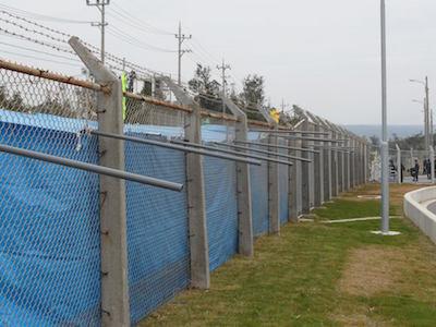 キャンプシュワブ前の違法テント裏