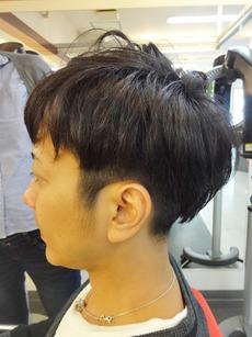 最新のヘアスタイル 髪型 メンズ マッシュボブ : 系2ブロック アシメ メンズ ...